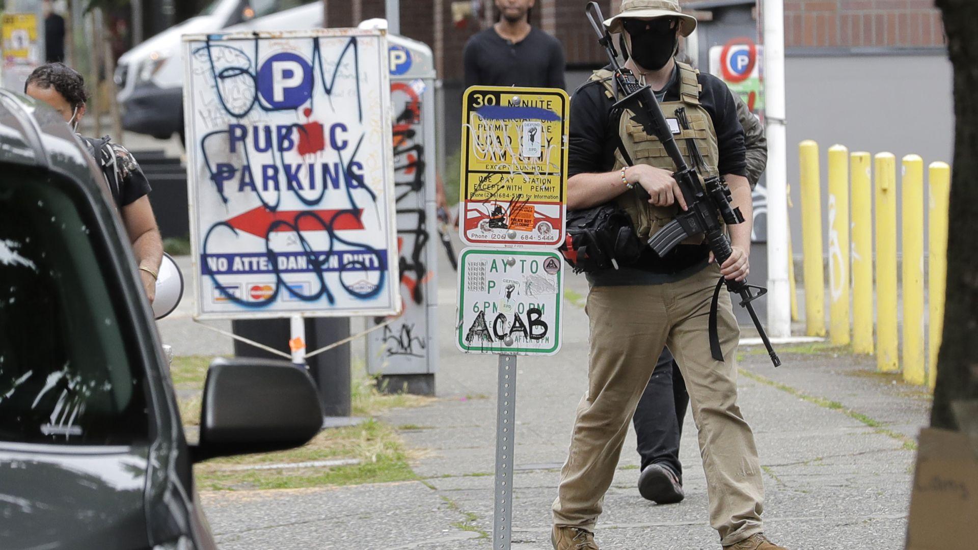 Тийнейджър е застрелян в окупираната от демонстранти зона на Сиатъл