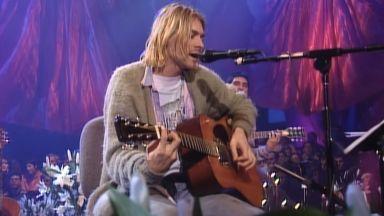 """Продадоха за $6 млн. китарата на Кърт Кобейн от шоуто """"MTV Unplugged"""" през 93-та"""