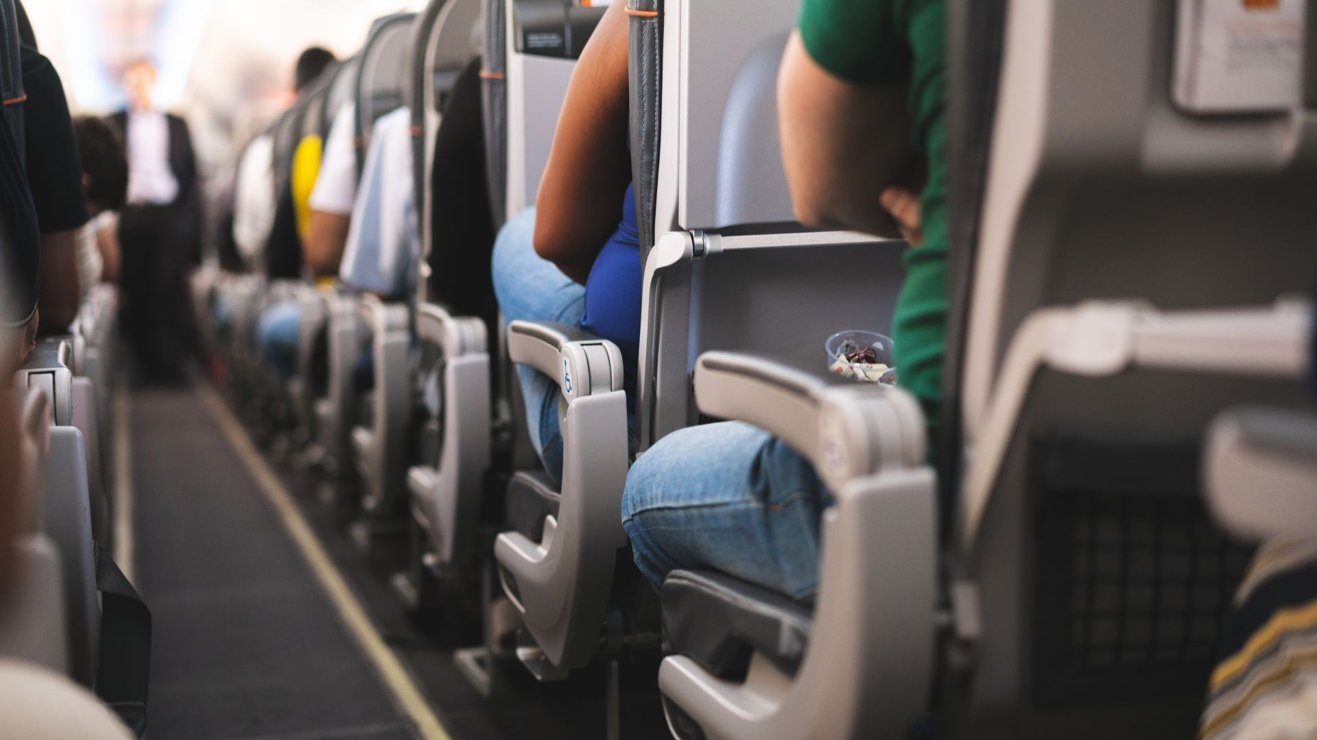 Разкриха четирите най-опасни храни, които се предлагат по време на полет
