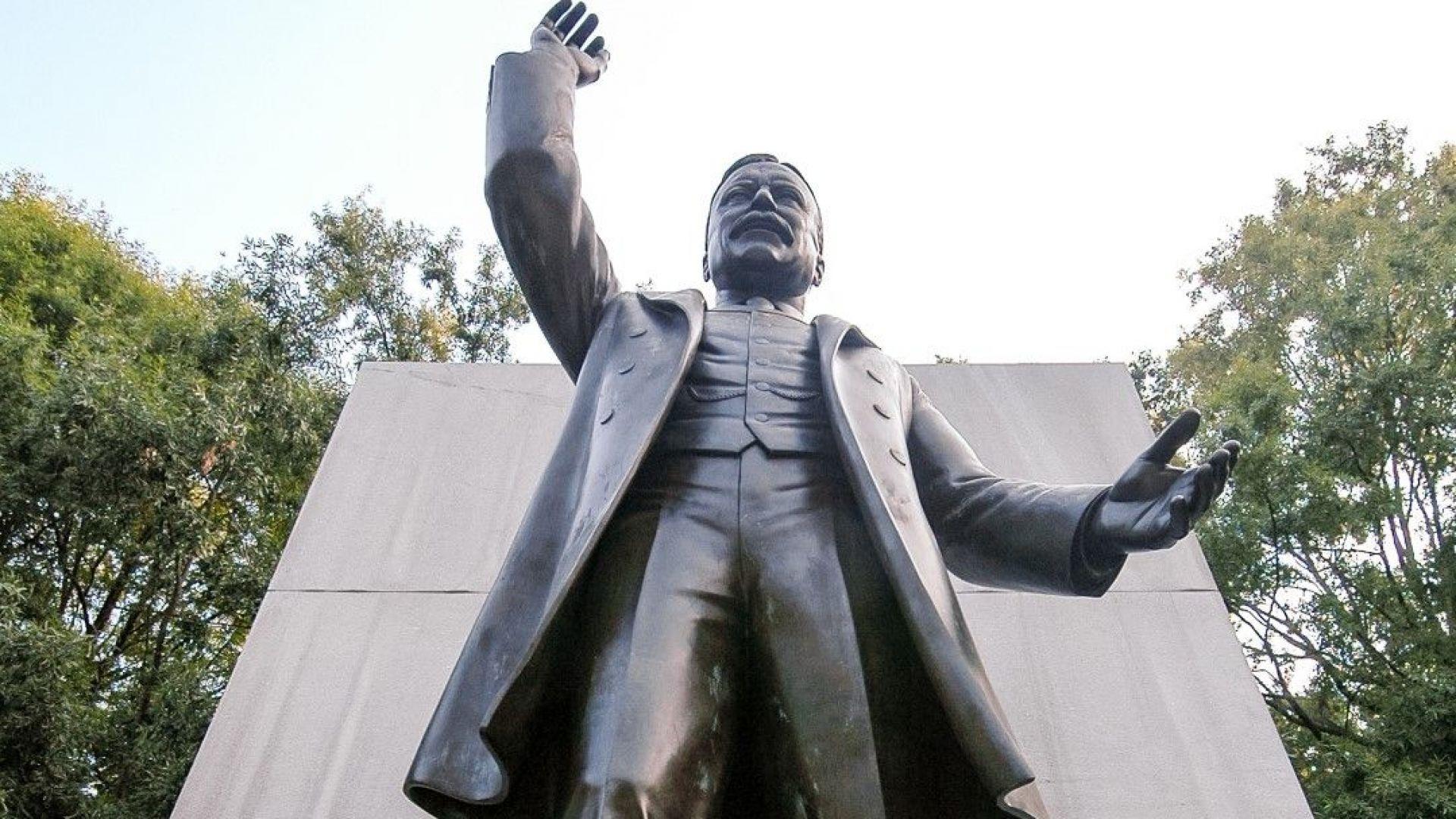 Тръмп се противопостави на премахването  на паметника на Теодор Рузвелт