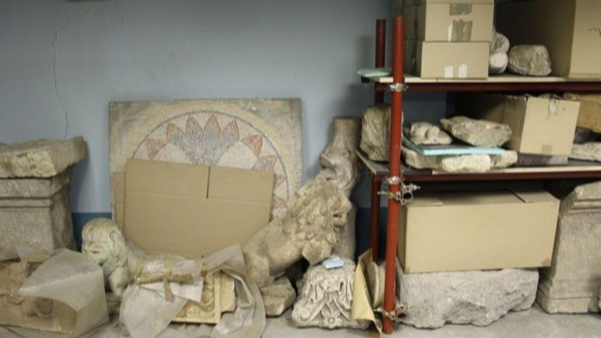 Артефакти от офиса на Васил Божков