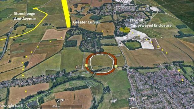 Кръгът от шахти е с диаметър 2 км