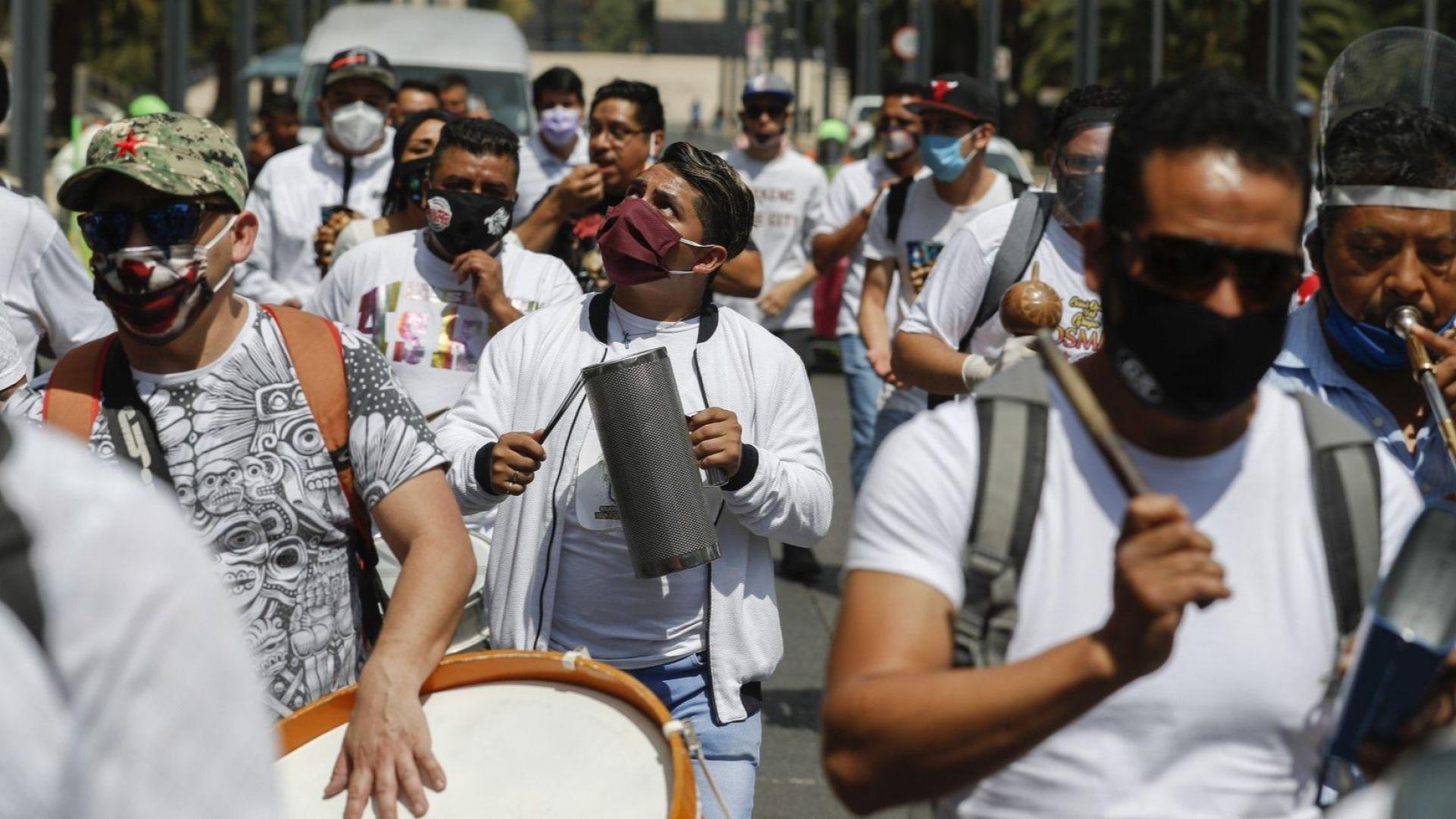 Тризнаци в Мексико са дали положителни проби в деня на раждането си