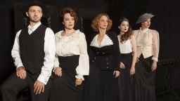 """Народният театър продължава да представя """"под открито небе"""" своята трупа"""