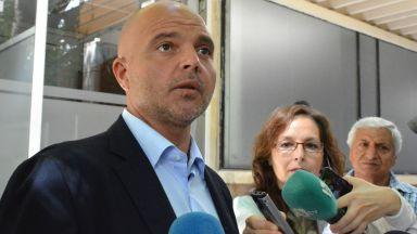 Ивайло Иванов: Не пазим нито една политическа сила, ние пазим българските институции, 18 са ранени след протеста