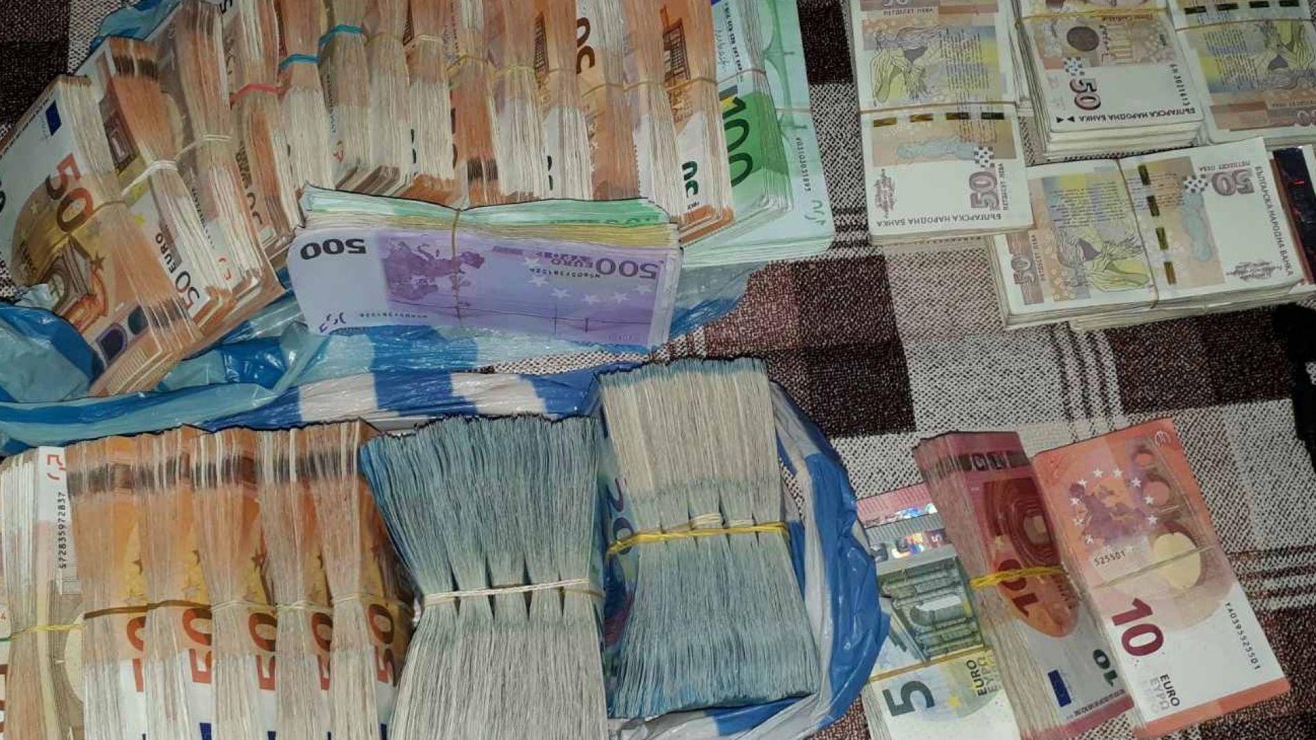Стотици хиляди открити при обиските на наркомрежата в Сандански