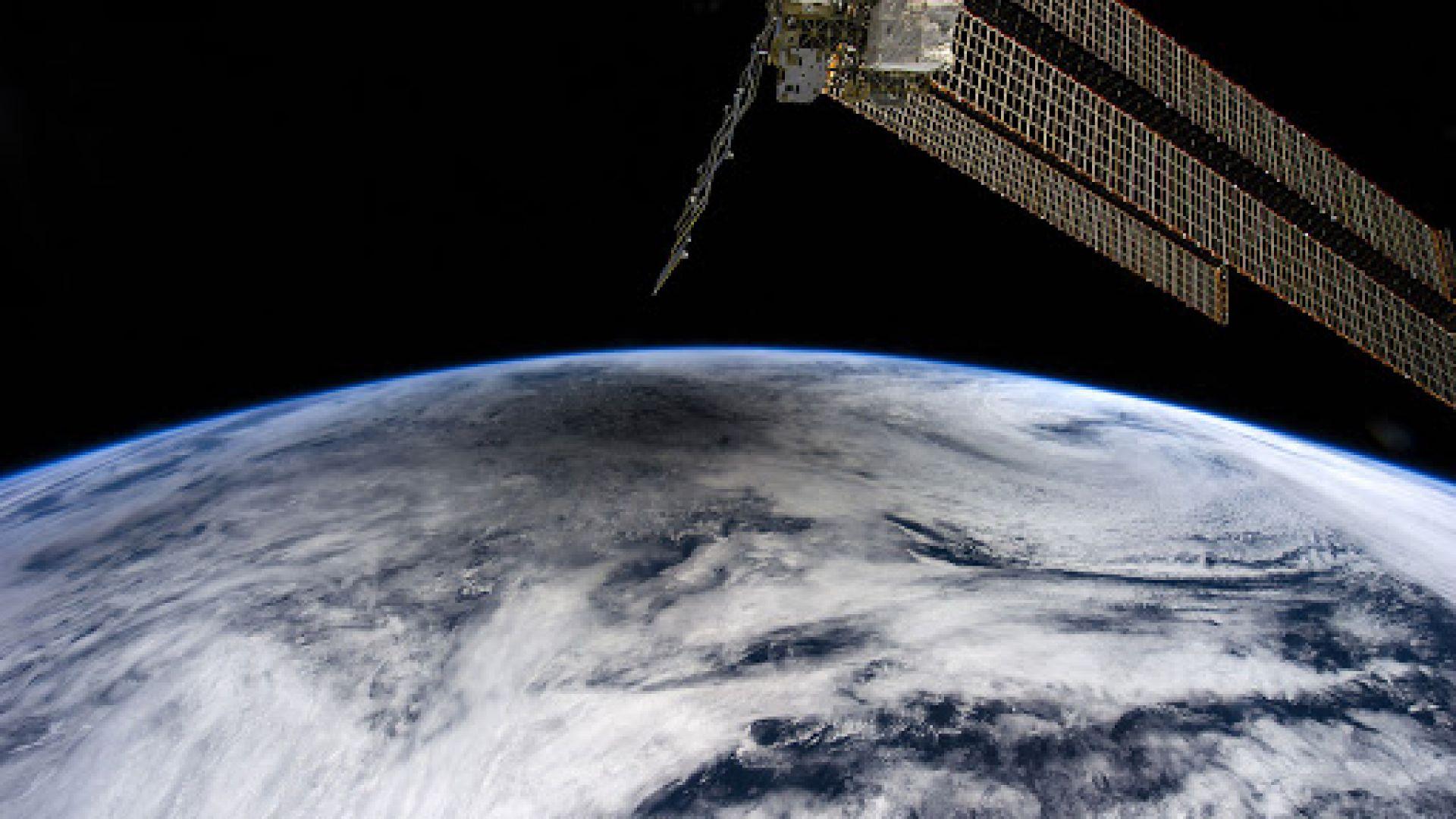 Пускат на пазара парфюм с мирис на Космоса