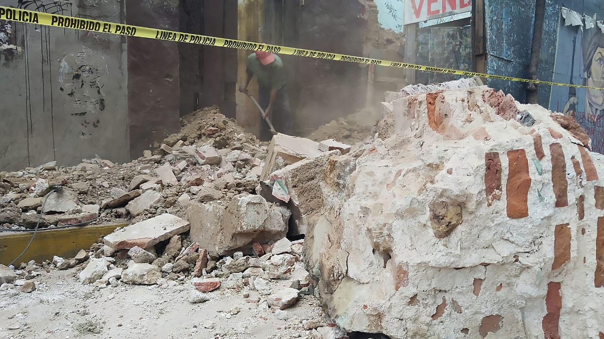 Поне 5-ма загинали при силния трус в Мексико. Посланикът ни: Сирена предотврати много жертви (снимки, видео)