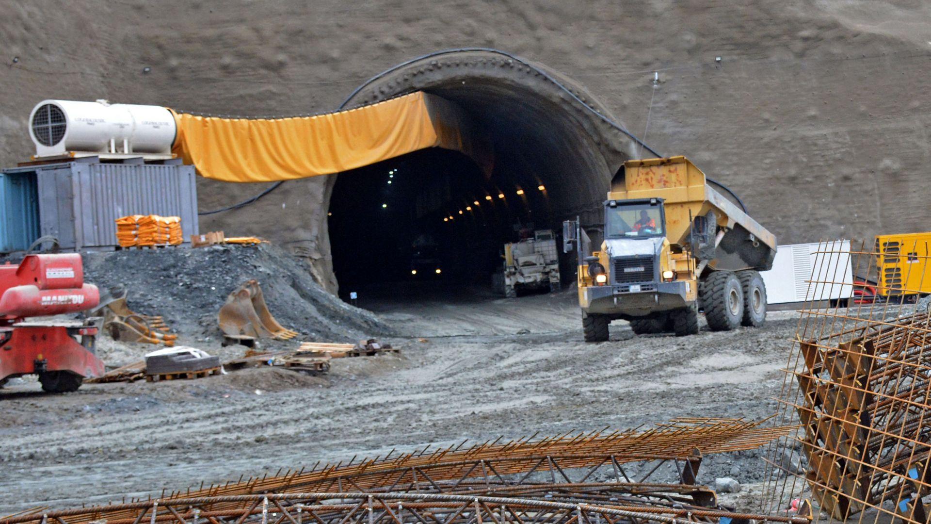 Между Драгоман и Сливница вече е магистрала: Докъде стигна асфалтът в пътните проекти