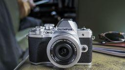 Olympus излиза от бизнеса с фотоапарати