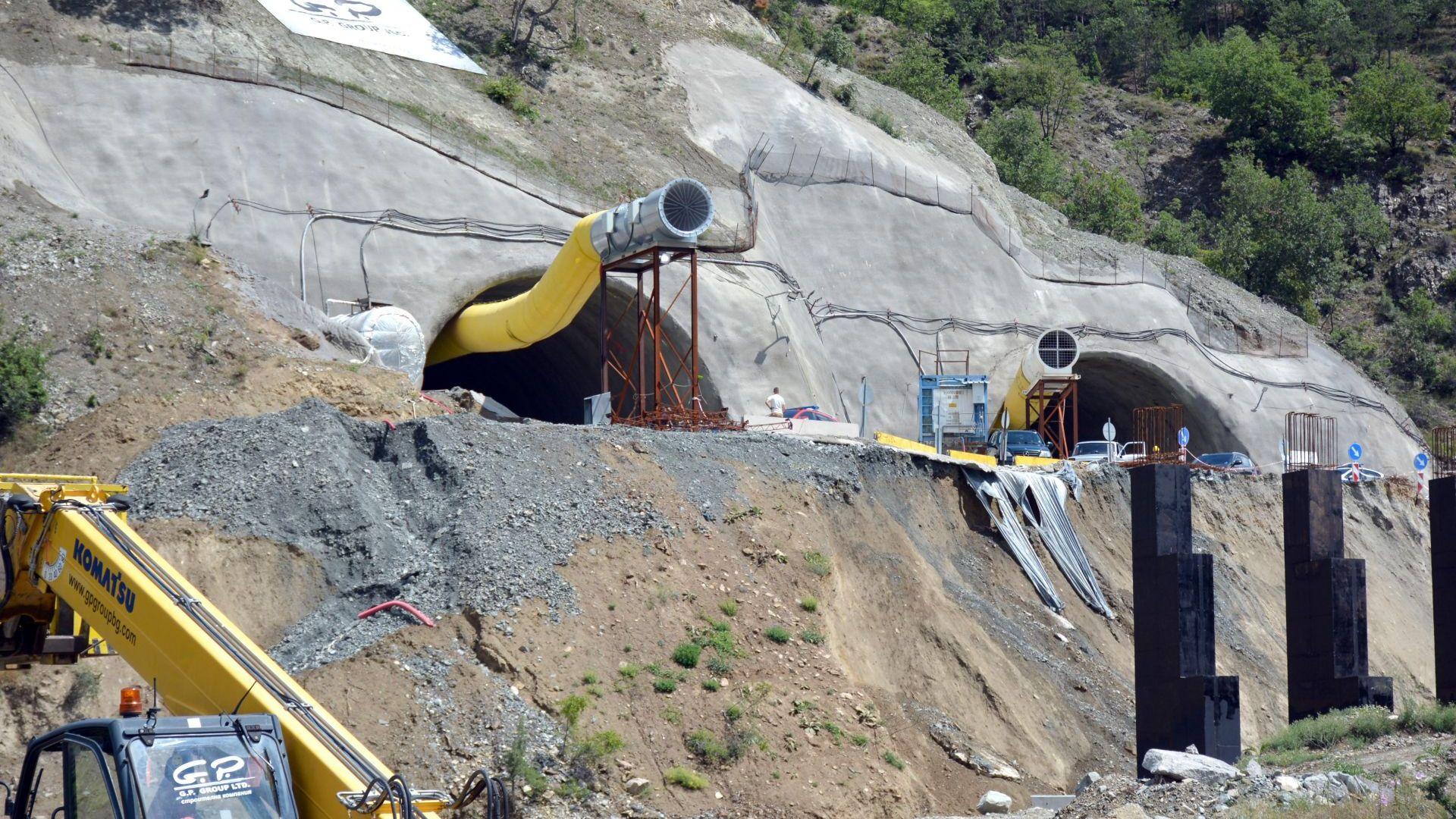 """Не могат да оперират един от пострадалите в тунел """"Железница"""" заради Covid"""