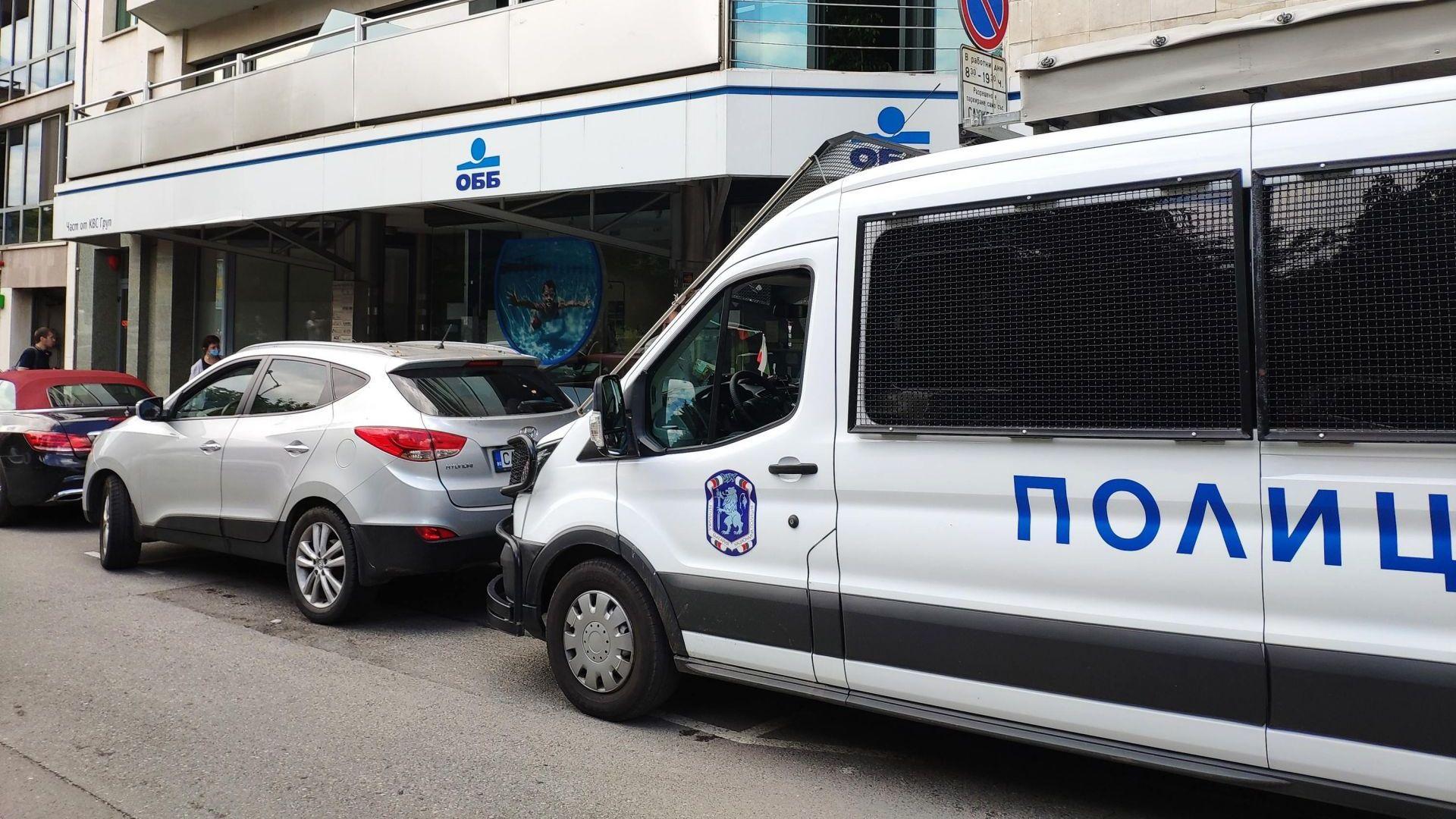 Прокурори извършват обиски в 3 града на офиси и жилища, свързани с Пламен Бобоков и брата на Пламен Узунов