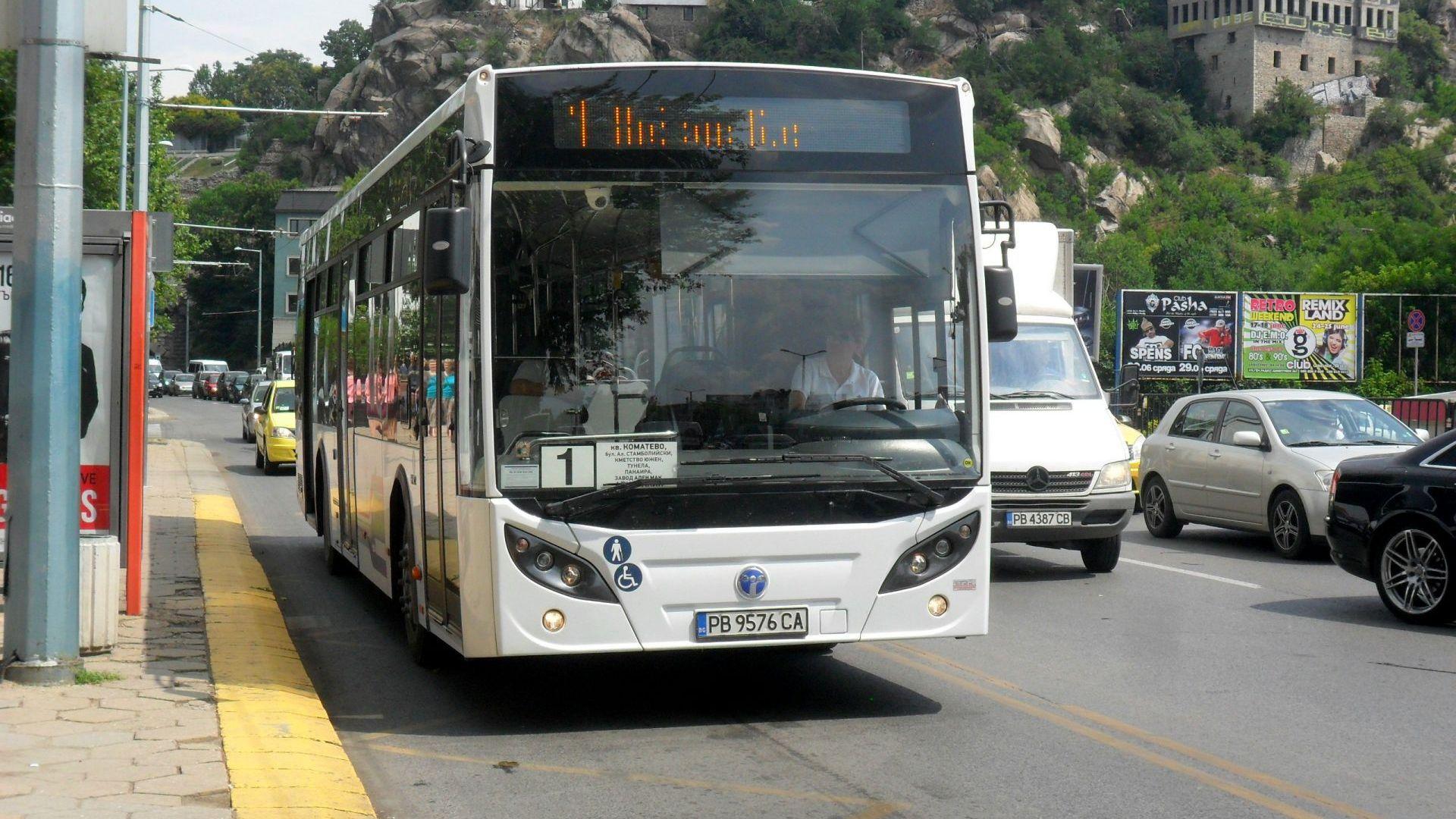 Масови проверки за маски в автобусите в Пловдив