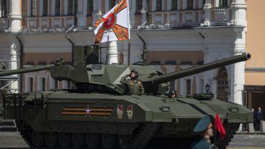 Какви оръжия представи Русия на своя военен парад (снимки)
