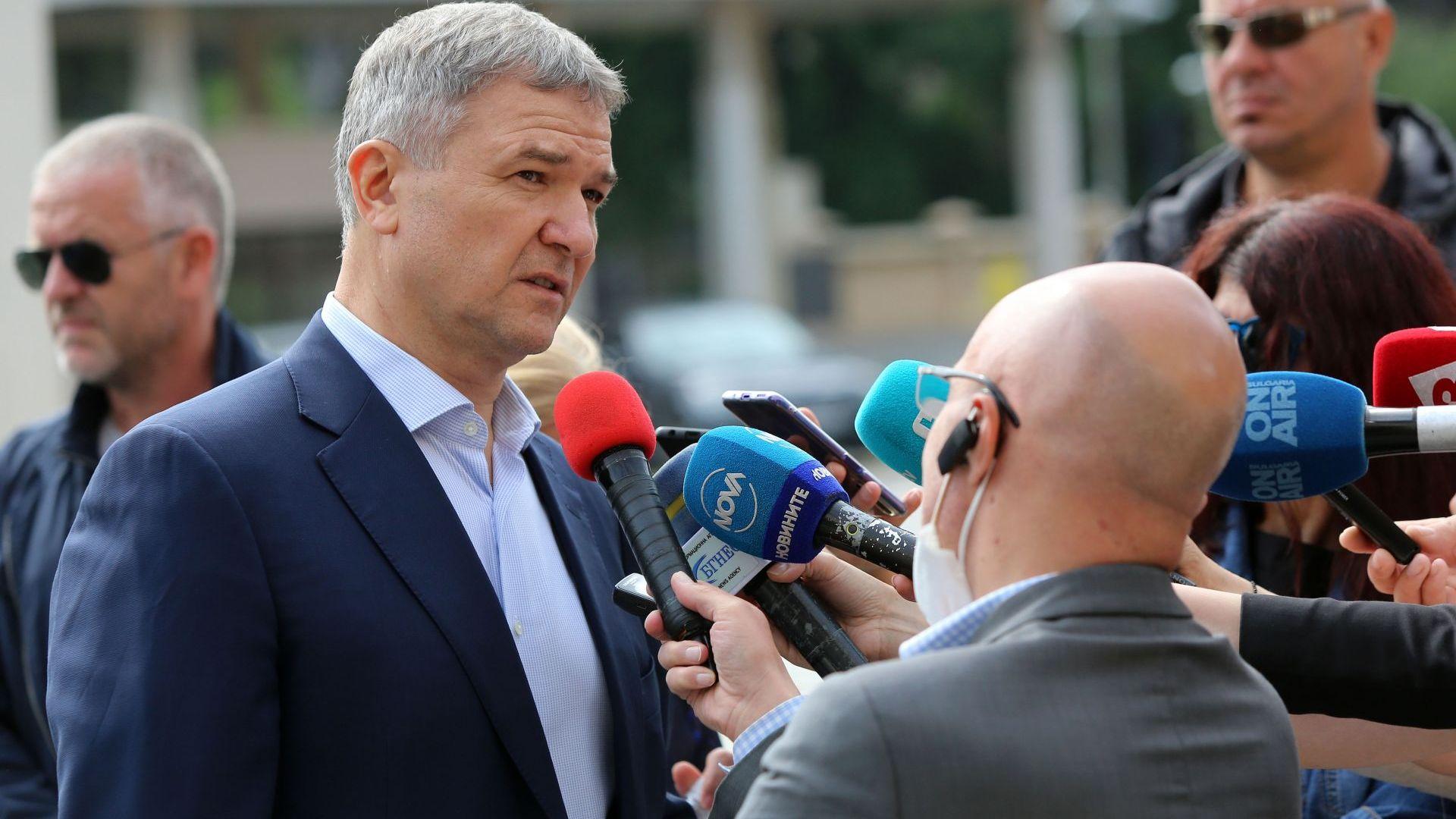 Бобоков на свобода срещу 1 млн., Екатерина Захариева на разпит след среща с него