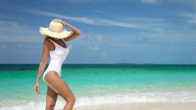 Тяло, което носи бяло:  10 топ предложения,  за да сме готови с багажа за плажа!