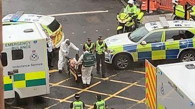 Атака в Глазгоу - наръган полицай и още ранени, нападателят е прострелян (снимки, видео)