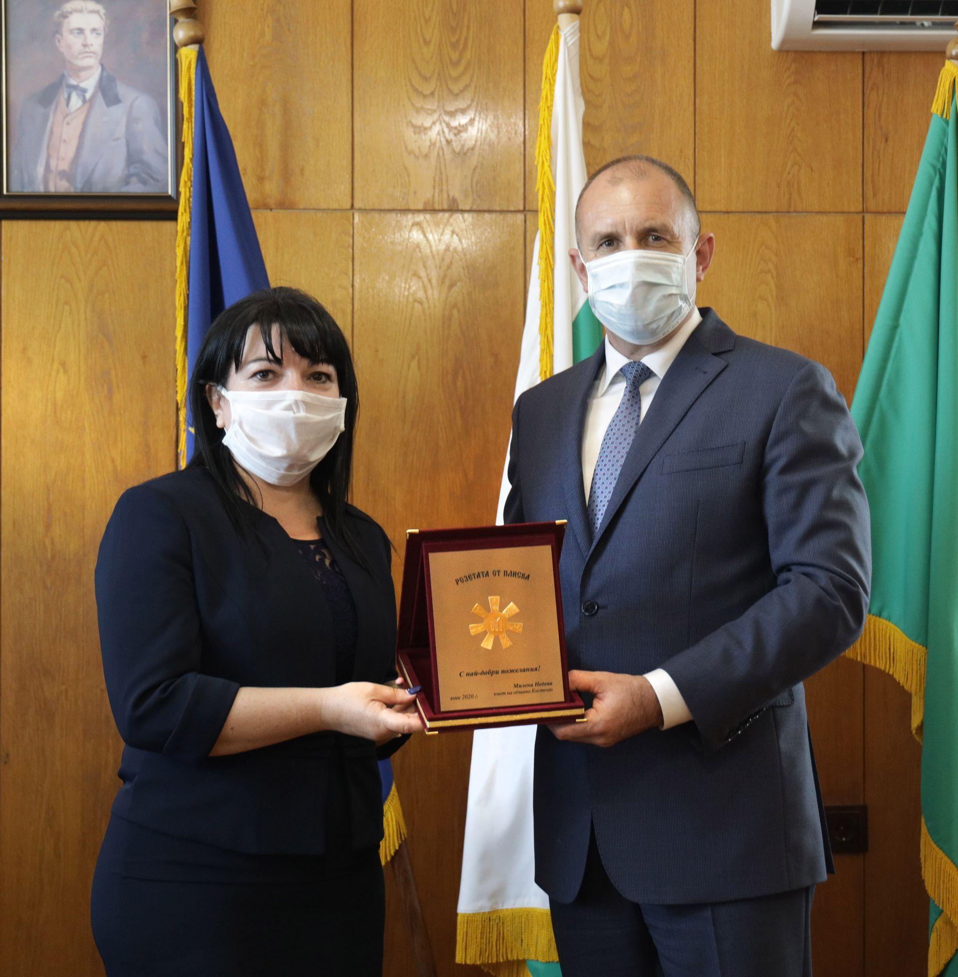 Президентът Румен Радев участва в тържественото честване на празника на Каспичан, а преди това се срещна с кмета на града Милена Недева и нейния екип