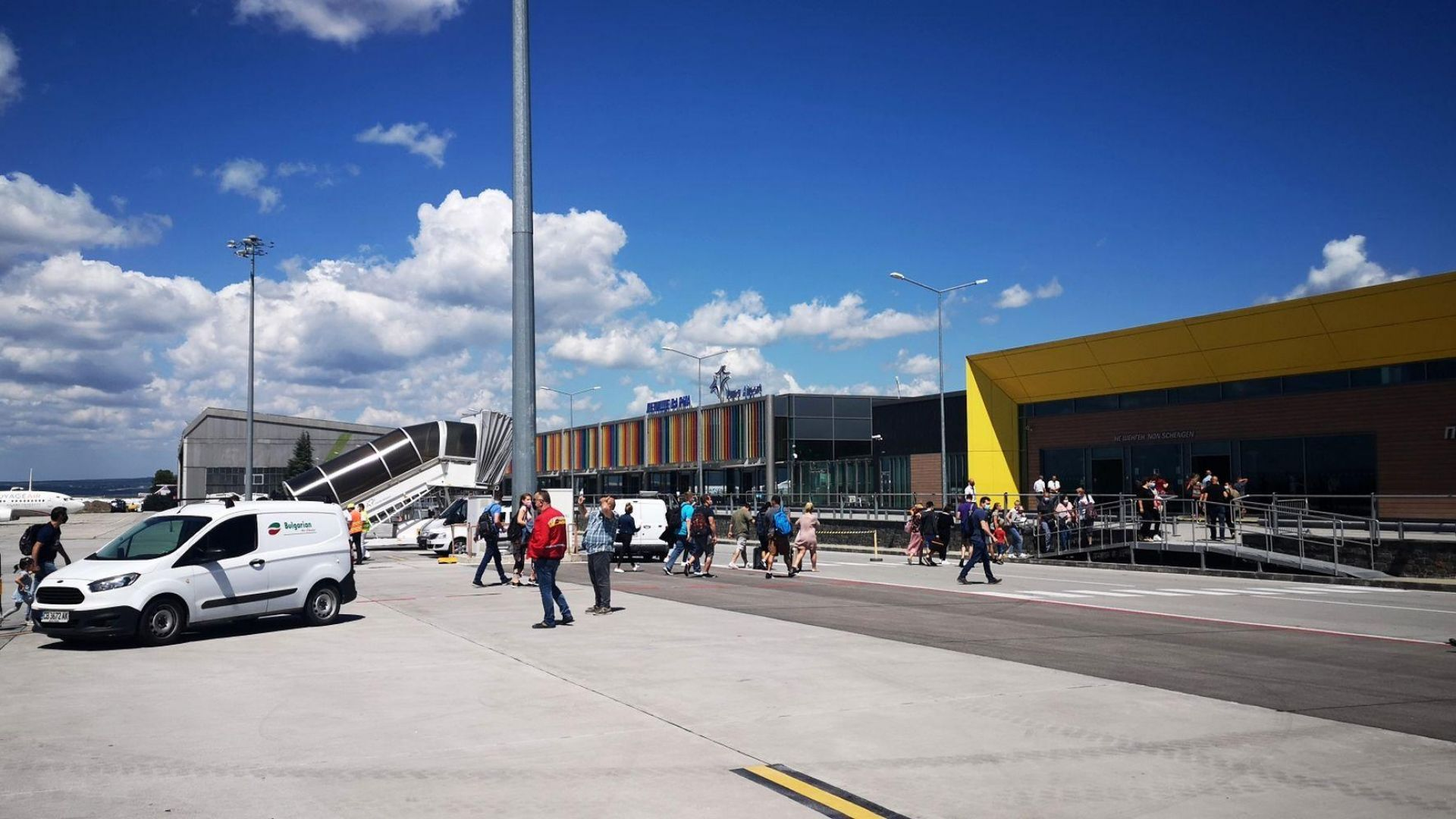 ЕК: Летищата във Варна и Бургас може да отсрочат плащанията по концесиите