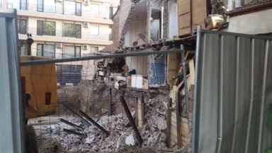 След рухналата стена на къща в Пловдив: Ще бъде ли съборена и построена наново постройката