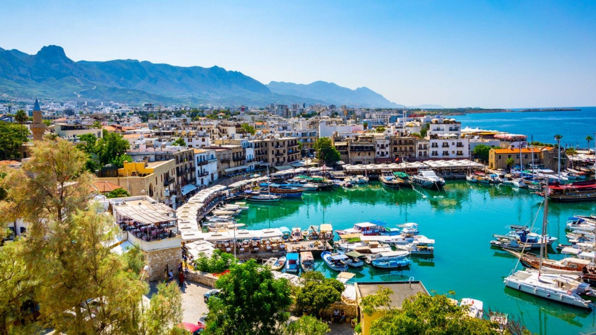 Пристигащите в Кипър българи вече трябва да представят документ за отрицателен тест за коронавирус