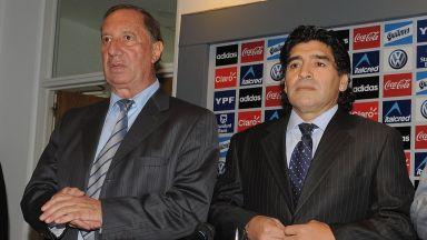 10 дни крият от любимия треньор на Марадона новината за смъртта му
