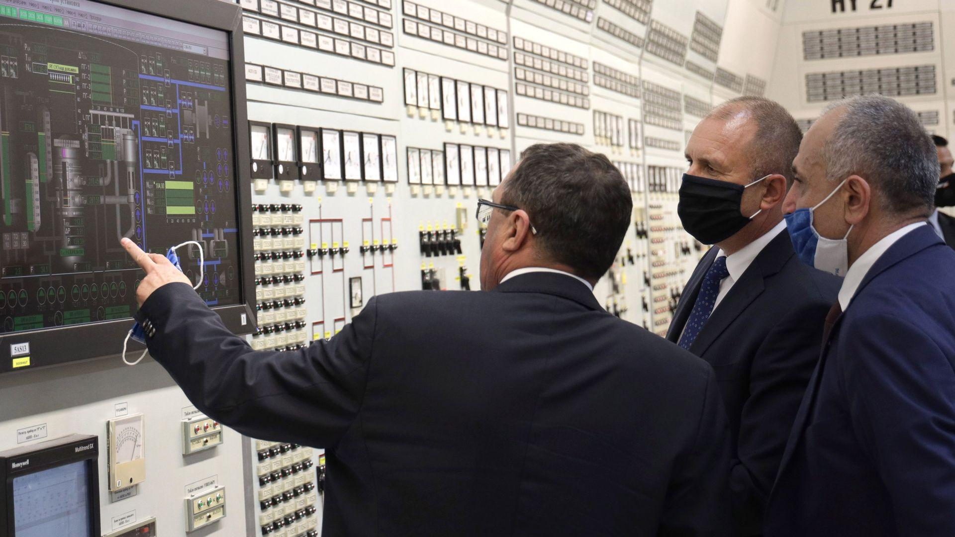 """Президентът: Очаквам по най-бързия начин кабинетът да изчисти проблема с лиценза за АЕЦ """"Белене"""""""