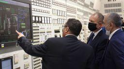"""Президентът: Очаквам по най-бързия начин кабинетът да изчисти проблема с лиценза за АЕЦ """"Белене"""" (снимки)"""