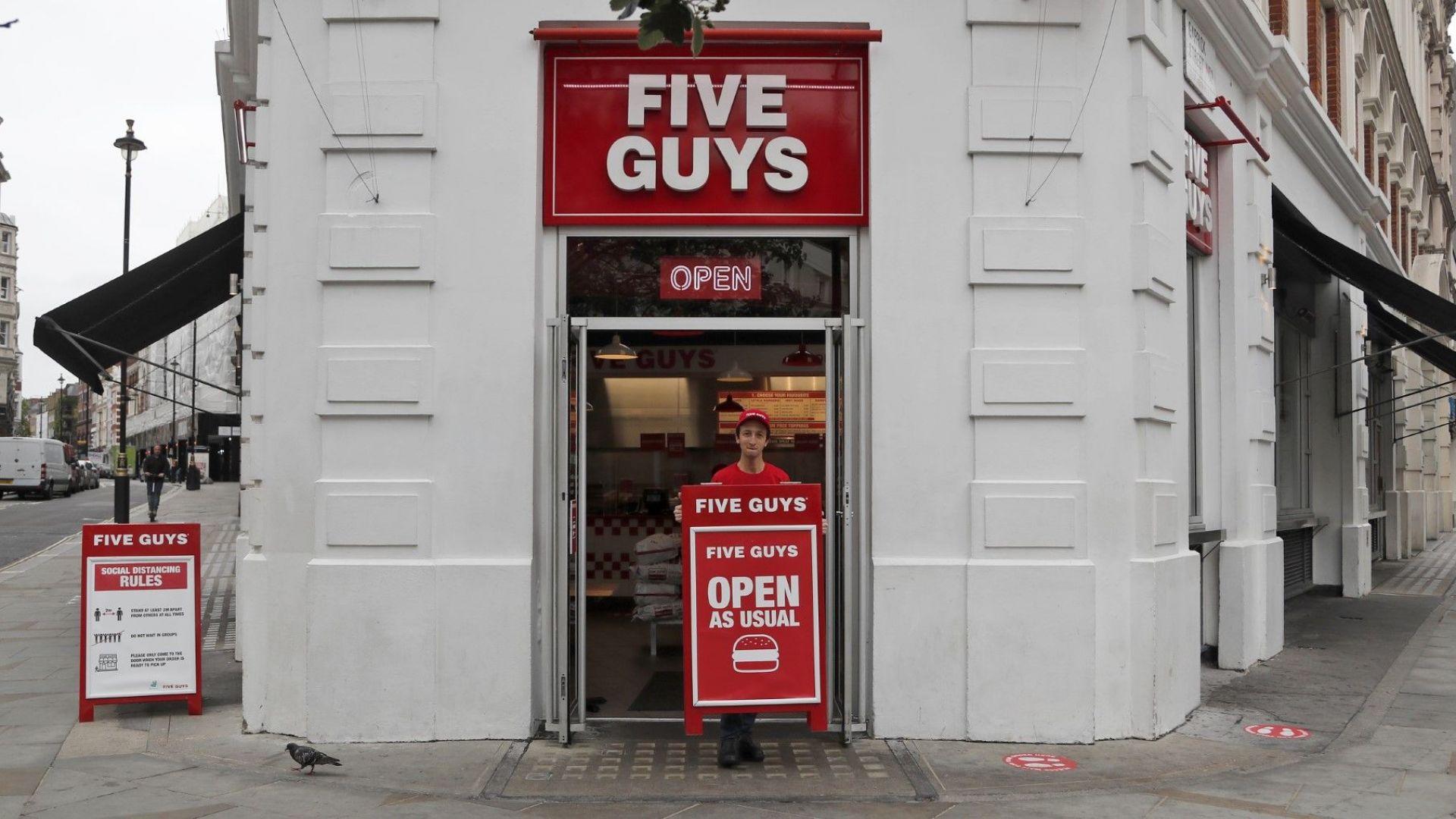 Пандемията удари британската икономика по-лошо от предвиденото