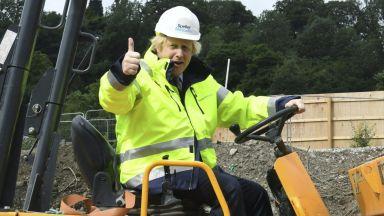 Борис Джонсън: Великобритания трябва да строи, за да победи коронакризата