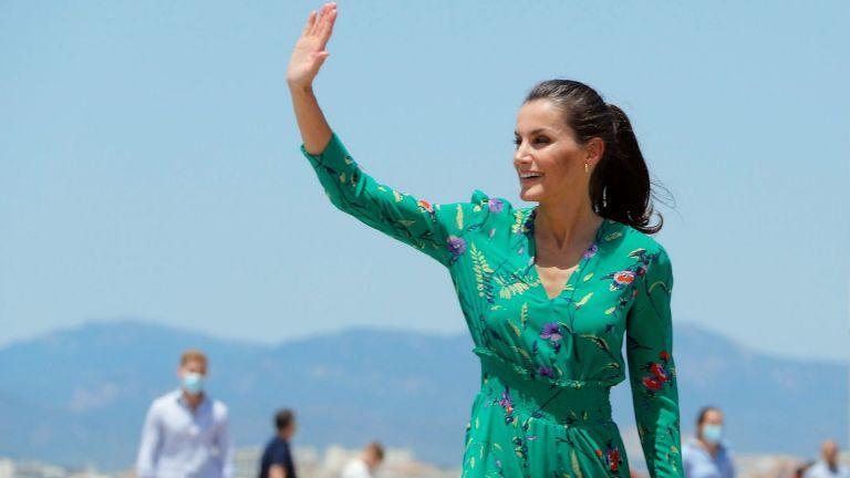 Горещо кралско лято: Летисия и Фелипе на обиколка из Испания