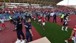 Пускат публика на футболните мачове, ако феновете обещаят да спазват мерките