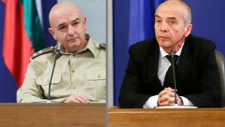 Мангъров срещу Мутафчийски: Ще измрат ли много хора?