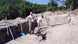 Проф. Овчаров откри на Перперикон скален комплекс, най-вероятно бил епископски дворец