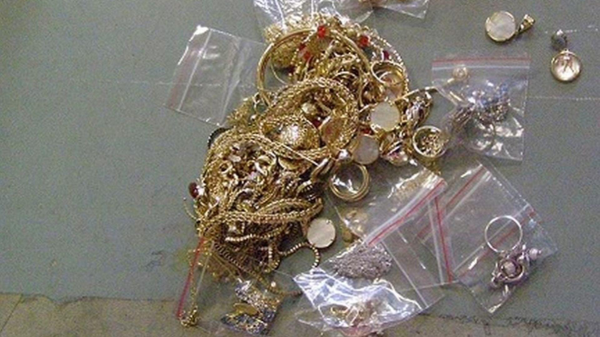 """Откриха злато за над 100 000 лева в камион на """"Дунав мост"""""""