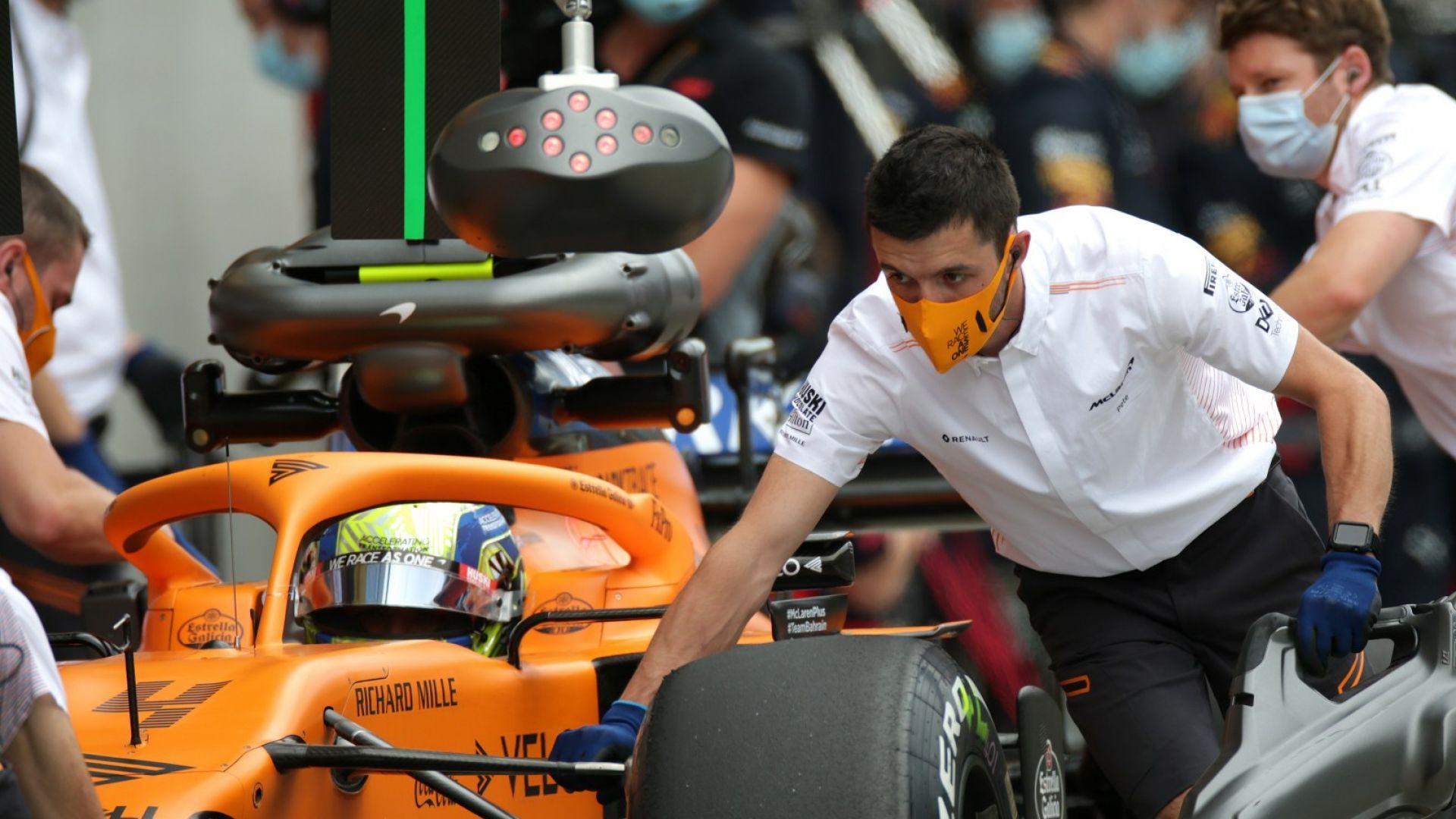 С маски, настроение и най-бърз Хамилтън - така се завърна Формула 1 (галерия)