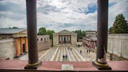 """Софийската опера очаква своята публика на сцена """"Римски площад"""" в Киноцентър Бояна"""