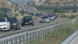 """Опашката на ГКПП """"Кулата"""" се стопи, след като Гърция спря сърбите"""