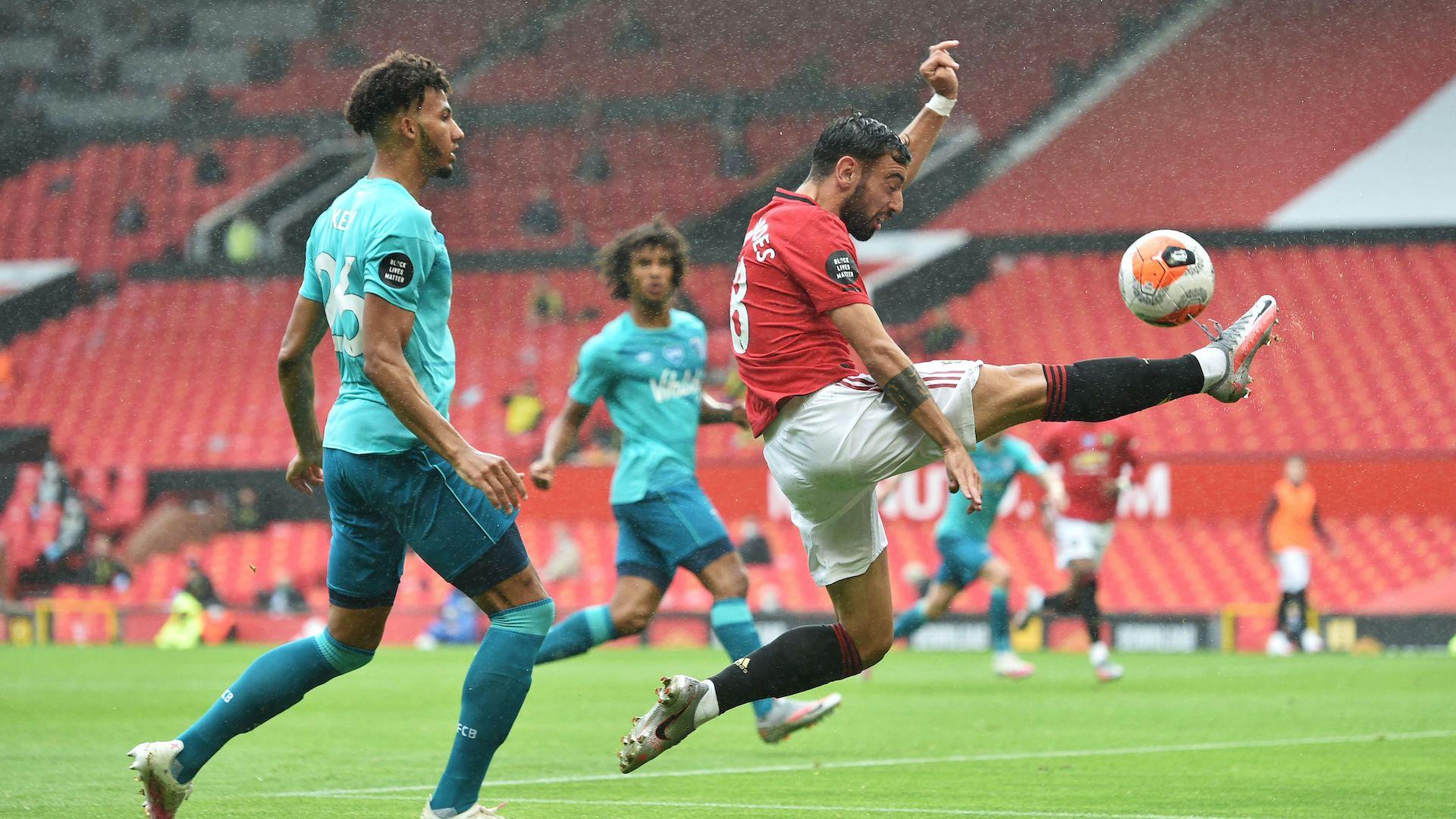 Пет гола пратиха Манчестър Юнайтед поне за малко в Топ 4