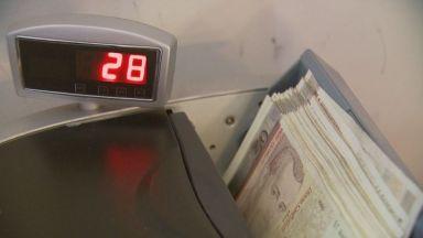 Значителен спад на парите, които работещите в чужбина връщат пращат у нас