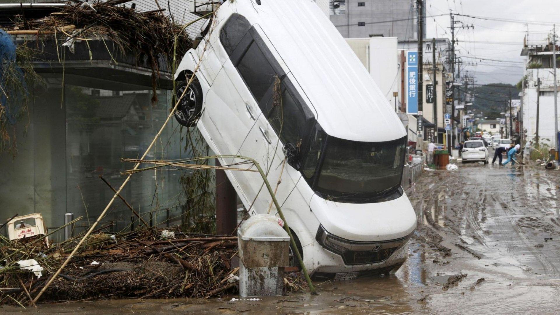 Жертвите на наводненията в Япония  станаха  40