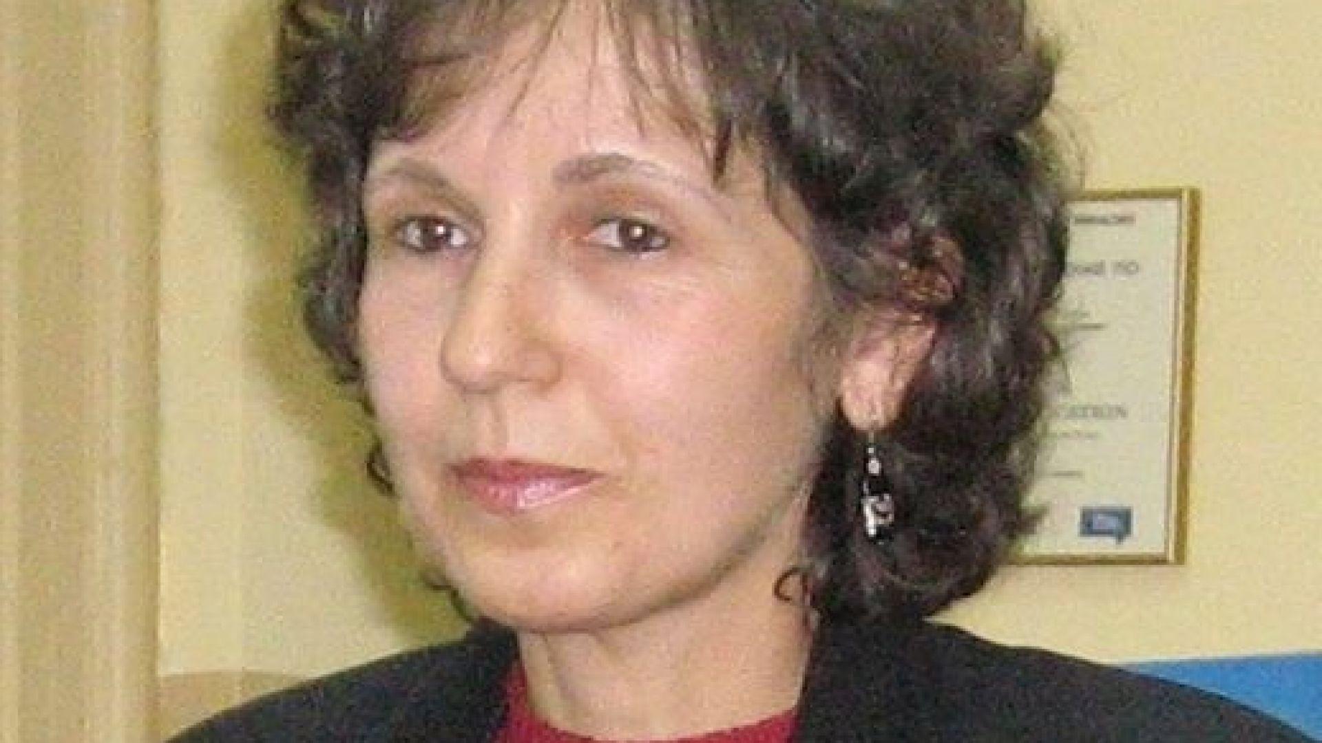 Мая Гешева е автор на учебници и учебни помагала по бизнес комуникации и фирмена култура