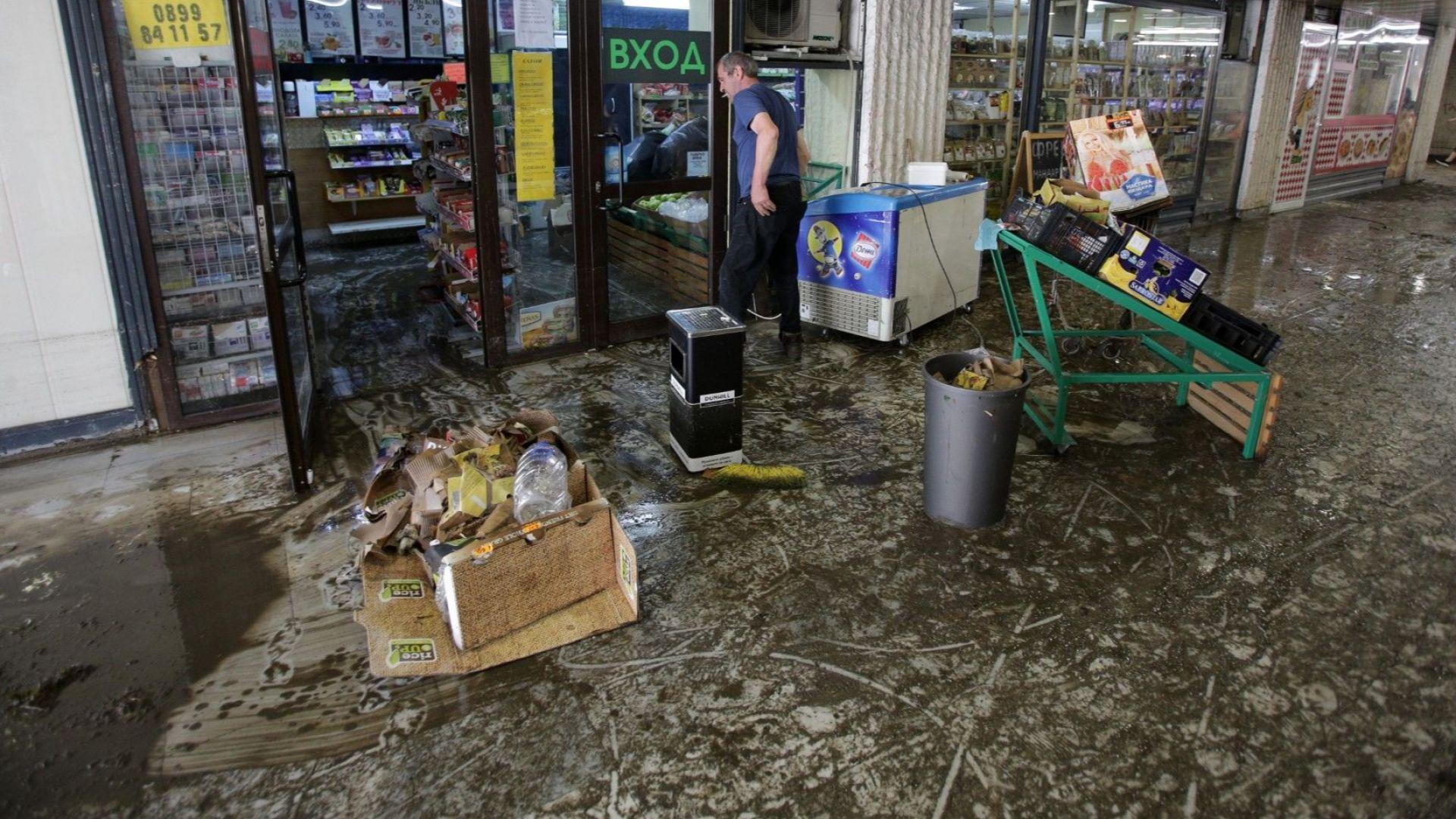 """БСП-София иска обяснение от Фандъкова* защо всеки дъжд """"потапя"""" столицата"""