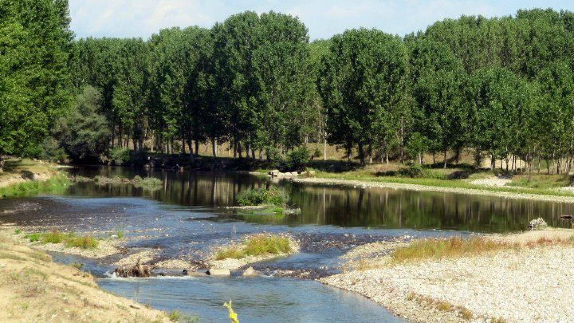 МОСВ: Има опасност за наводнения от река Места