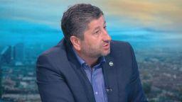 Христо Иванов сезира прокуратурата за поругаване на българския флаг от гардовете на Доган