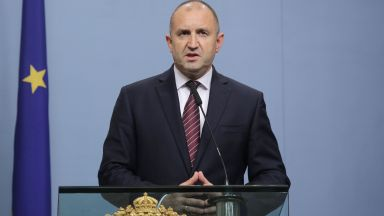 Румен Радев: Охранителите от инцидента на брега край Росенец са от НСО, в ход е проверка