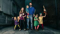 Децата отвръщат на удара: Забавни истории от ежедневието на баща с 4 дъщери