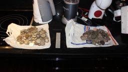 Изчезналите златни монети на бизнесмена Илия Златанов открити в дома му (снимки)