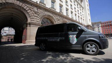 Спецпрокурори претърсват кабинетите на съветник и секретар в президентството (снимки)