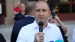 Румен Радев поиска оставка на правителството и на главния прокурор